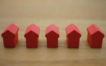 Desafíos de la justicia contractual en la emergencia sanitaria. Cinco casas rojas.